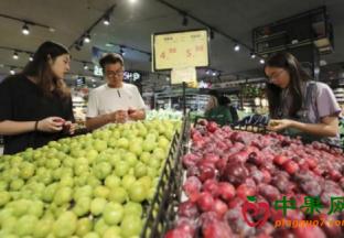 北京:水果集中上市 价格继…